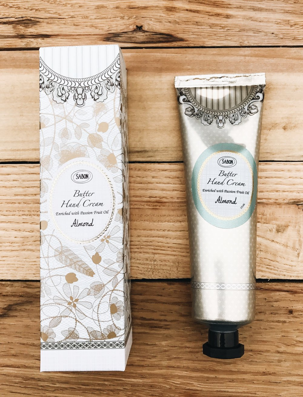 Sabon Butter Hand Cream will leave your hands feeling velvety soft. This hand cream instantly moisturizes and make you skin look and feel beautiful.