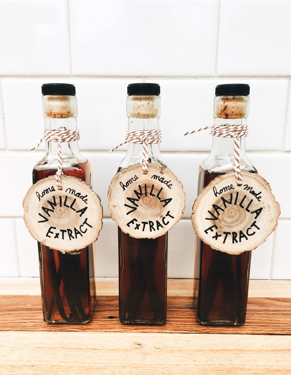 Homemade Gift Ideas - How To Make Your Own Vanilla Bean Extract