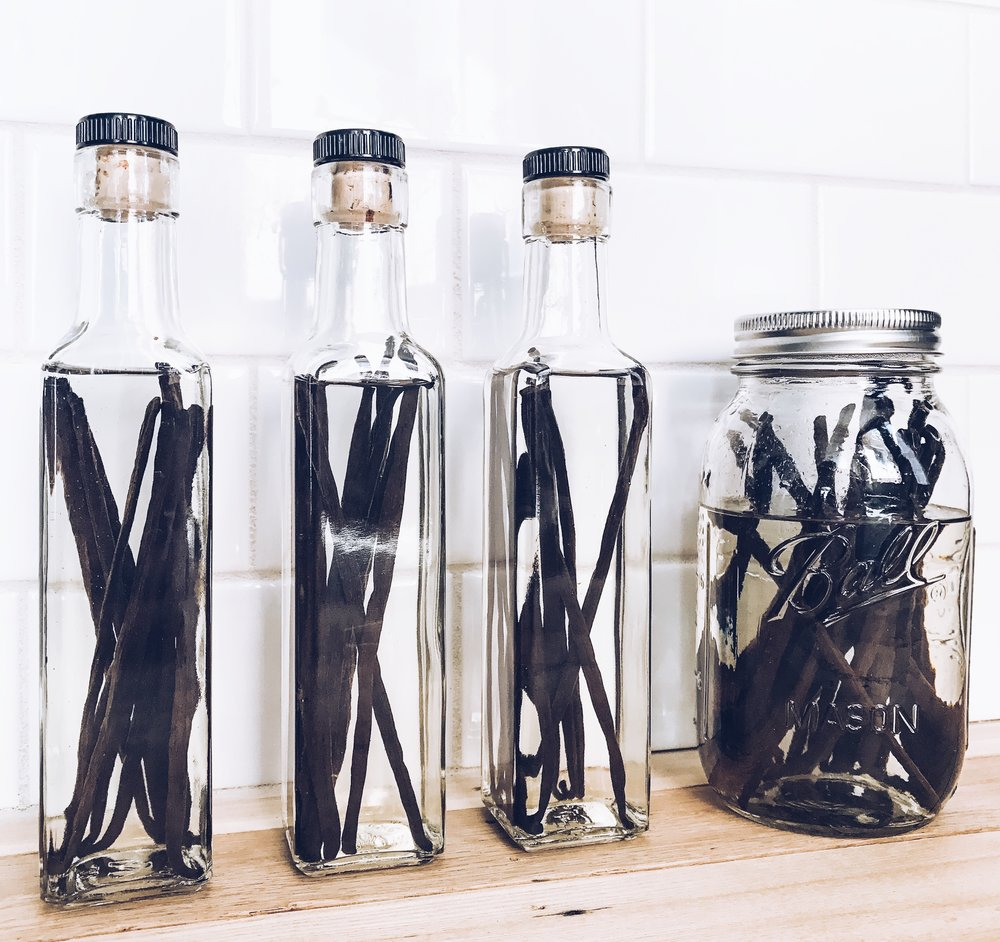 How To Make Your Own Vanilla Bean Extract