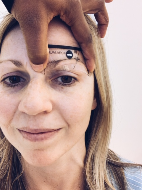 Thick and full eyebrows. How to get full eyebrows. Eyebrow makeover. How to teach yourself to do your own eyebrows. #How #to #get #thick #eyebrows