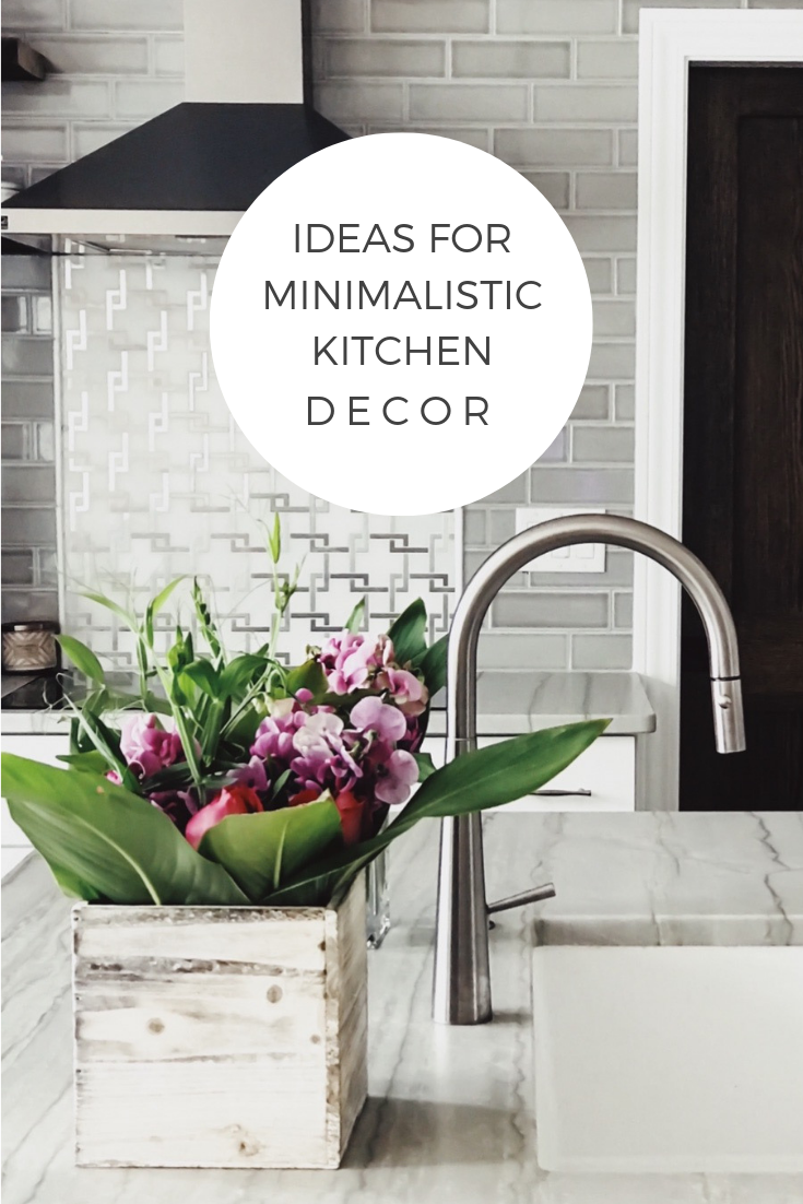 Minimalist Kitchen Decor Ideas. Flower Ideas For The Kitchen. How To Incorporate Floral Decor Into Your Kitchen. Simplistic kitchen design. Minimalistic kitchen design ideas. #minimalistic #kitchen #decor #home #decor
