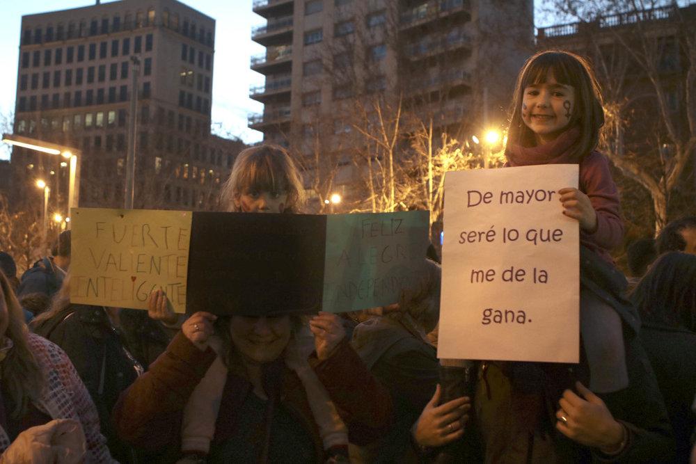 Pequeña feminista en la Huelga feminista del 8M. Foto: Dune Solanot