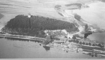 Der Nesselberg um 1928 mit Wasserwerk und Wasserturm