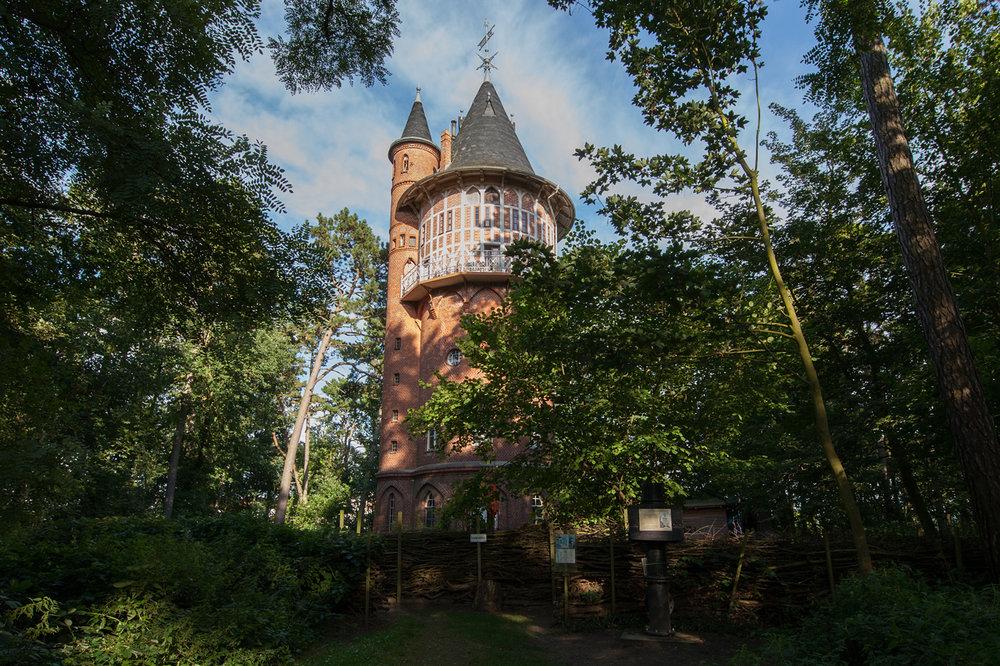 Der Wasserturm Waren in seiner vollen Pracht