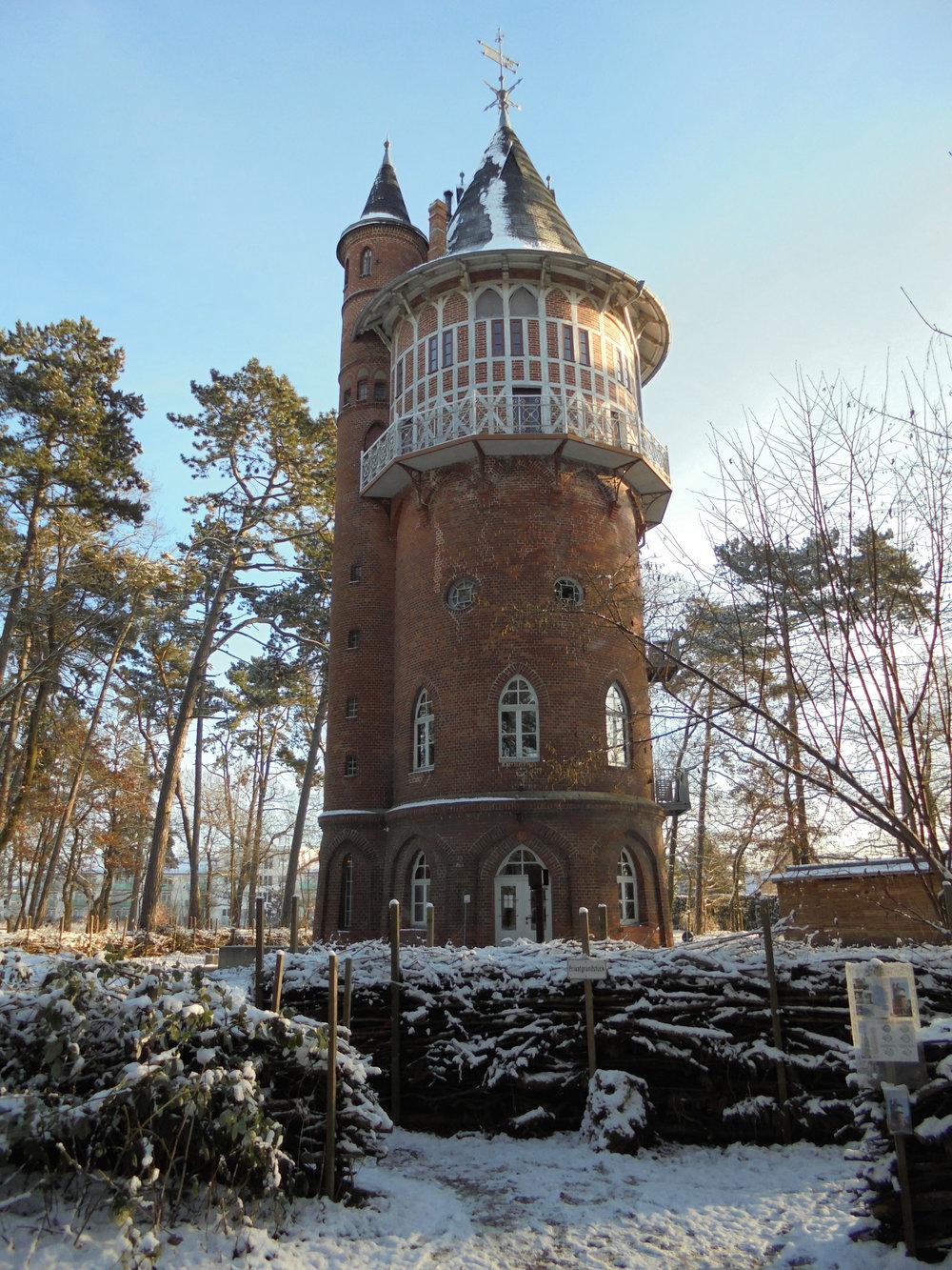Winterturm Hochformat_1_©BEWAHREN Ferienhaus eG.jpg