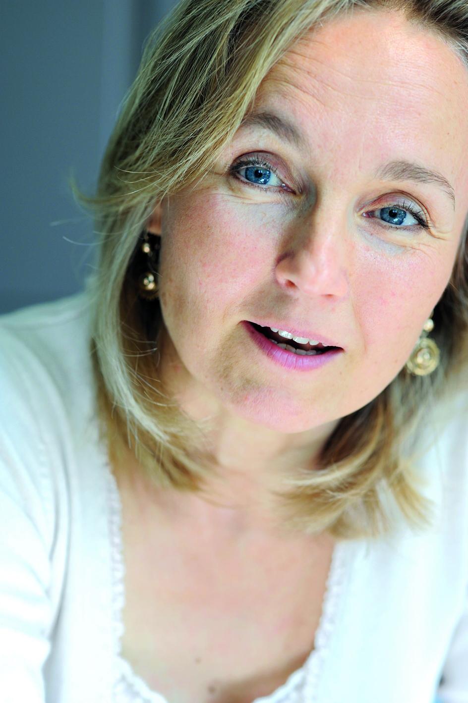 Chantal van den Brink    Auteur van 'Brieven van mijn Ziel', healer, docent.