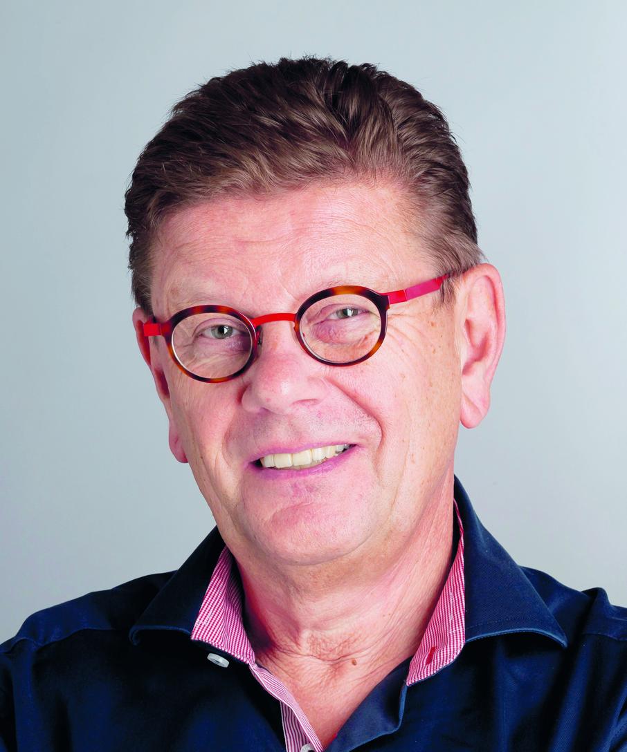 Hans Hoek   Bestuursadviseur in de gezondheidszorg. Partner van C3 adviseurs en managers. Gepromoveerd op Governance & Gezondheidszorg (2007).