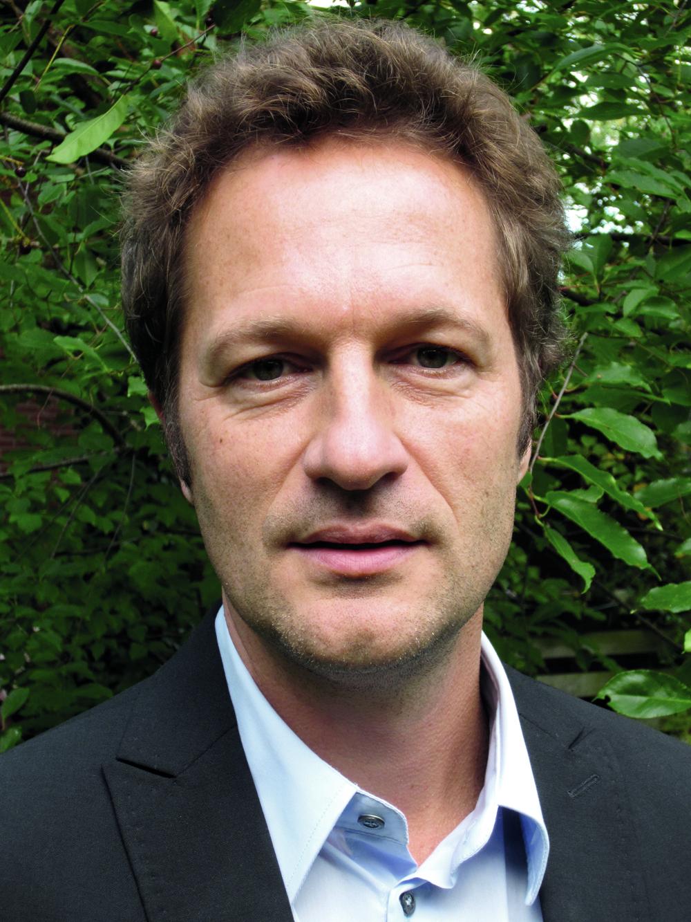 Rogier Hoenders    Psychiater, senior-onderzoeker, oprichter en manager behandelzaken Centrum Integrale Psychiatrie (CIP), deelopleider volwassenenpsychiatrie en docent psychotherapie.