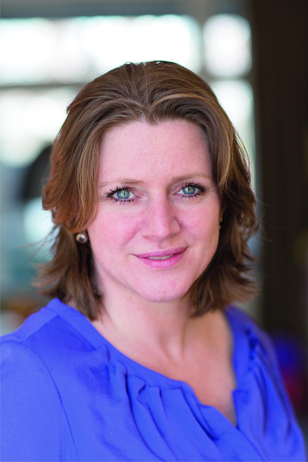 Simonne van Gennip    Journalist, auteur van het boek 'Een foutje in mijn hoofd'. In het boek beschrijf ik mijn eigen ervaringen van het proces van opkrabbelen na, en de gevolgen van een hersenbloeding bij een zwangerschap van 7 maanden.