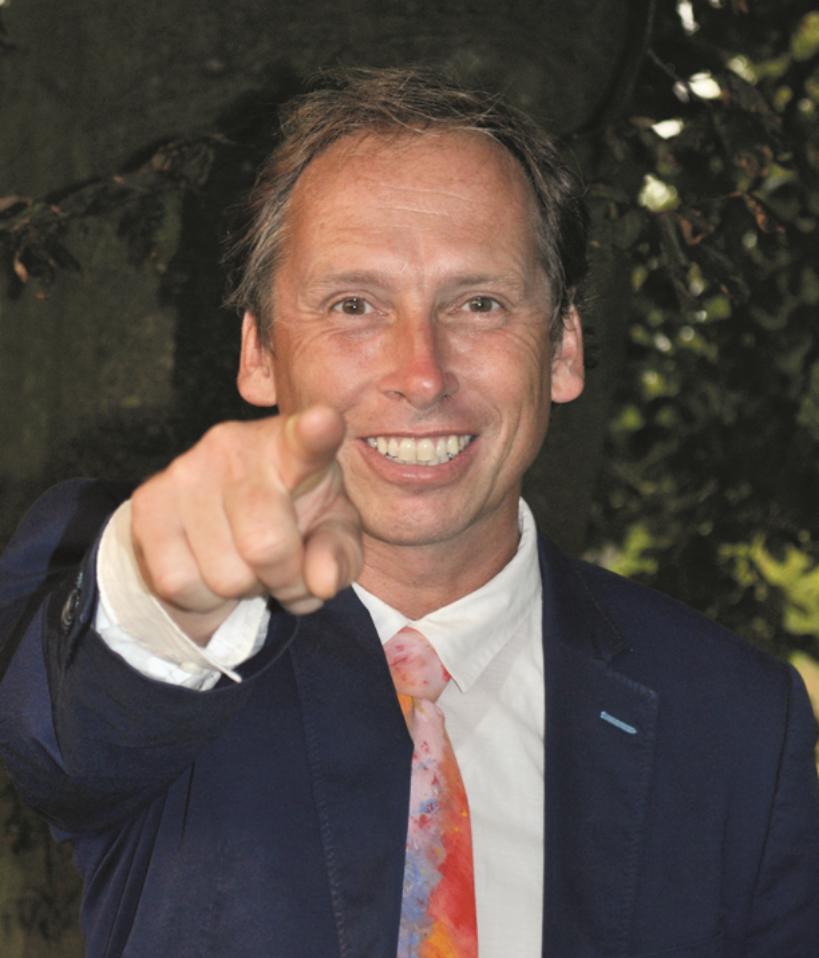 Robbert Geelen    Initiatiefnemer van een nieuwe zorgverzekering: de GezondheidsVerzekering. Waar jij zelf kunt bepalen welke zorg je wilt hebben én deze ook kunt betalen.