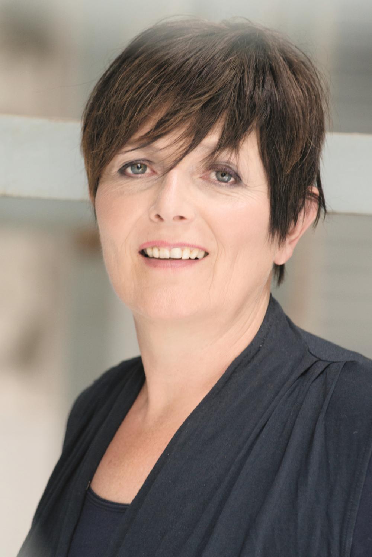 Marleen Teunis    Directeur eigenaar Van Campen Consulting, expert op het gebied van triage in de eerste lijn, acute en klinische zorg en de bedrijfsgezondheidszorg. Auteur van 'Ziek zijn, maak er werk van' en 'Werken, iedereen wordt er beter van'.