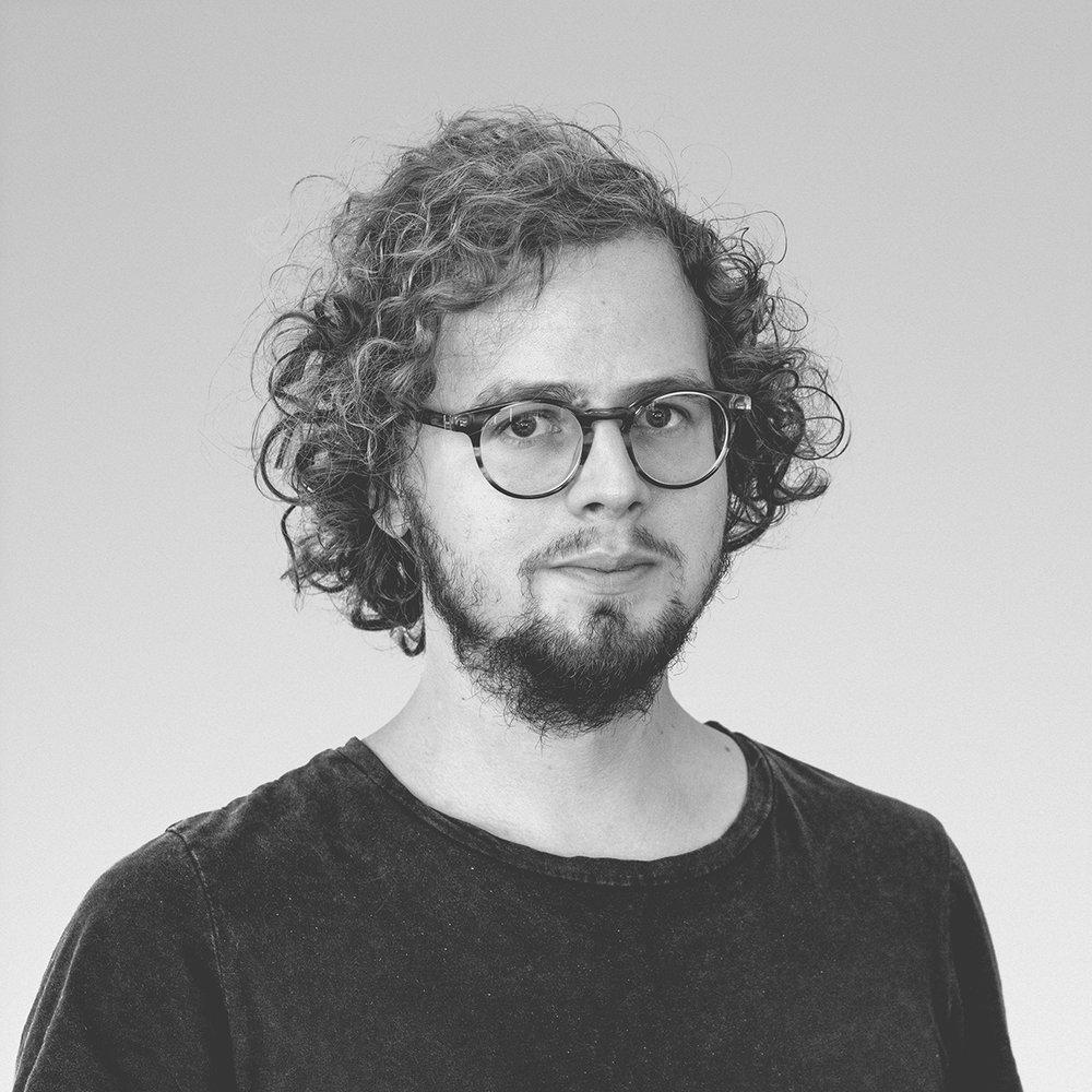 Viktor horvath - Product & UI/UX Designer