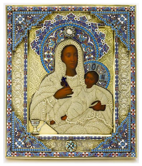 """""""Maica Domnului cu Pruncu"""" - Icoana de Ivan Nikolaev Mnekin, datand din 1886. Pictura pe metal, argint, email si perle naturale.Qatar Museums Authority. Foto:© Sotheby's"""