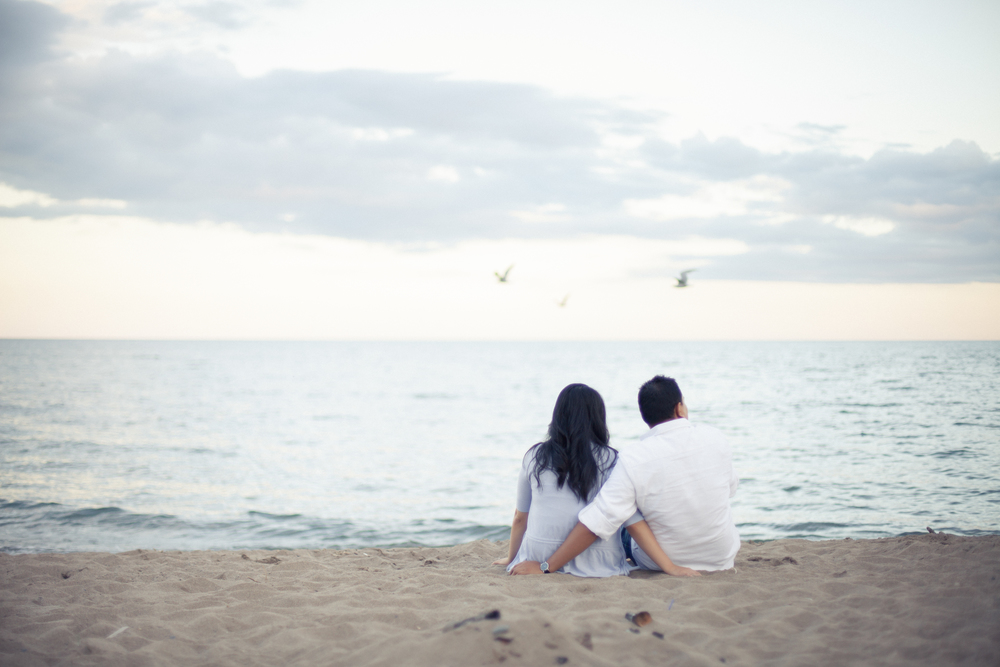 Toronto Bluffs engagement session on the beach