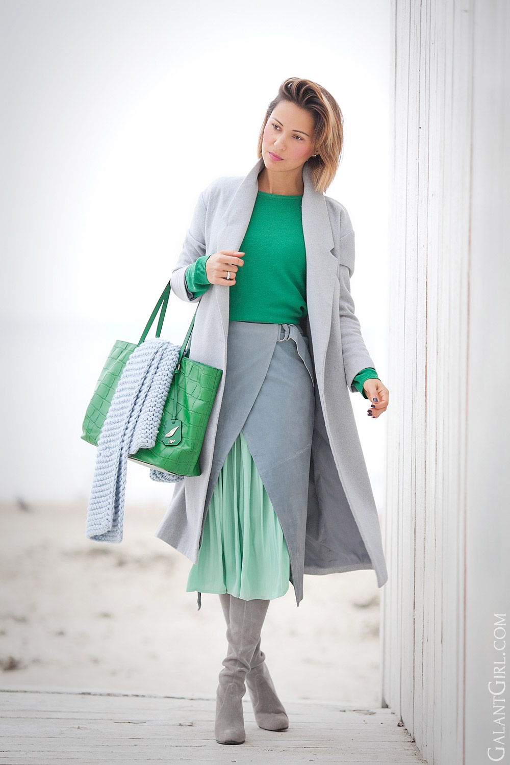 how to wear color right