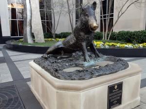 boar-statue-0585