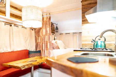 Lola Vintage Camper 1.jpg