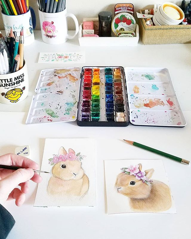 Painting bunnies. 🌿