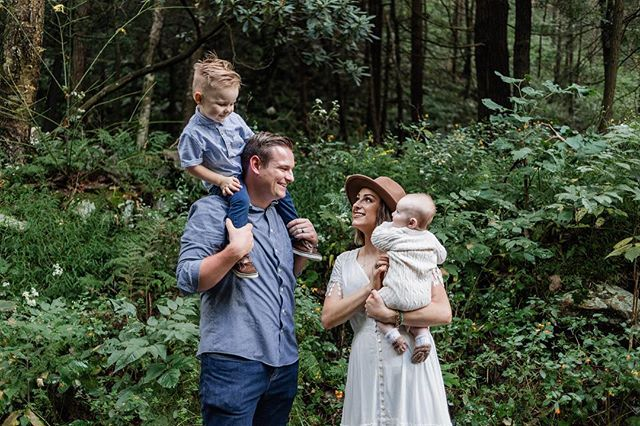 A bit of catching up to do after a long hiatus from social media.  I can't move into Fall without posting some photos from my time with this dreamiest-family-there-ever-was. Seriously just look at them! The most perfect day in the most beautiful setting with the cutest family.