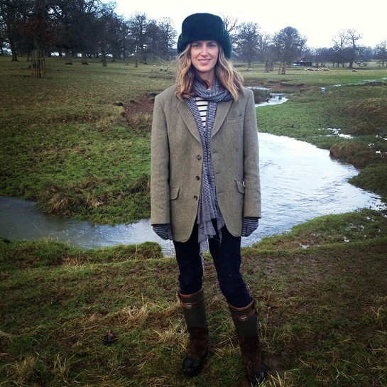 Amanda Brooks on the family farm. I love her choice of the oversized blazer for the Sunday walk. Image from her blog,  I Love your Style