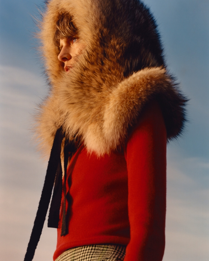 Stella Tennant in a Coyote Fur hood she designed for Holland and Holland, A/W 2016.