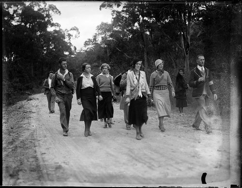 A group of Australian hikers, early 1930s. Image: Powerhouse Museum Collection.