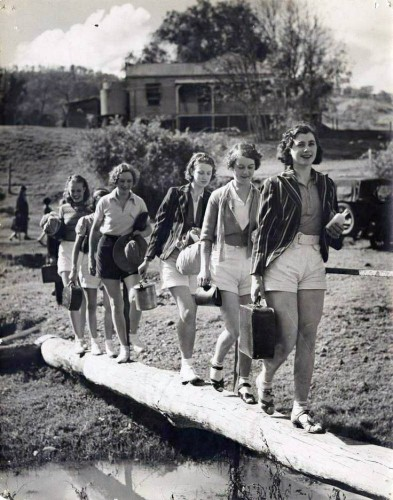 A group of hikers in Canungra, Queensland, Australia, 1936. Image: John Oxley Library, State Library of Queensland.