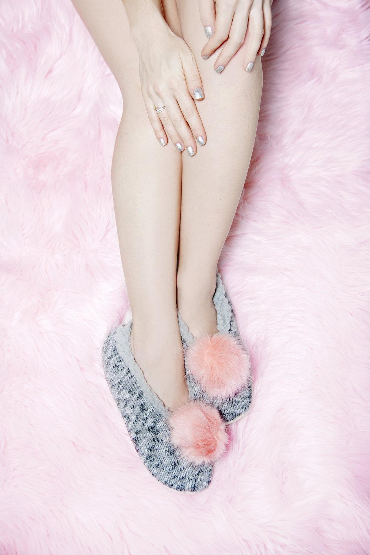 Fuzzy Babba Pom Pom Slippers - The Gilded Bellini