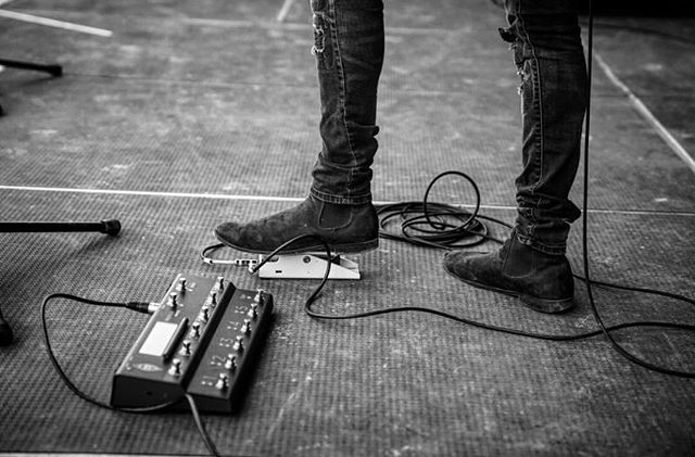 Music has taken me so many places, and after the previous run of having my board wrecked via travel, I breathe easier knowing that my @tapestryaudio and @kemperamps have my back.  #CountryUSA2018