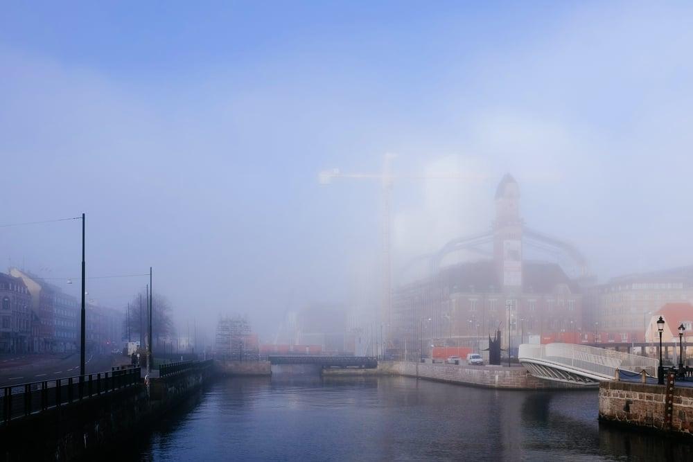 Dimman lättar över Malmö Live