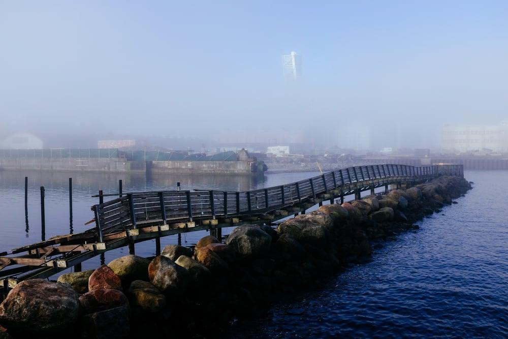 Dimman lättar över Turning Torso