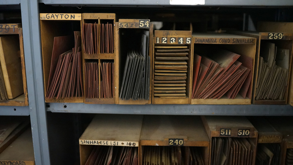 Shelves of DeLittle woodtype patterns (© Richard Small)