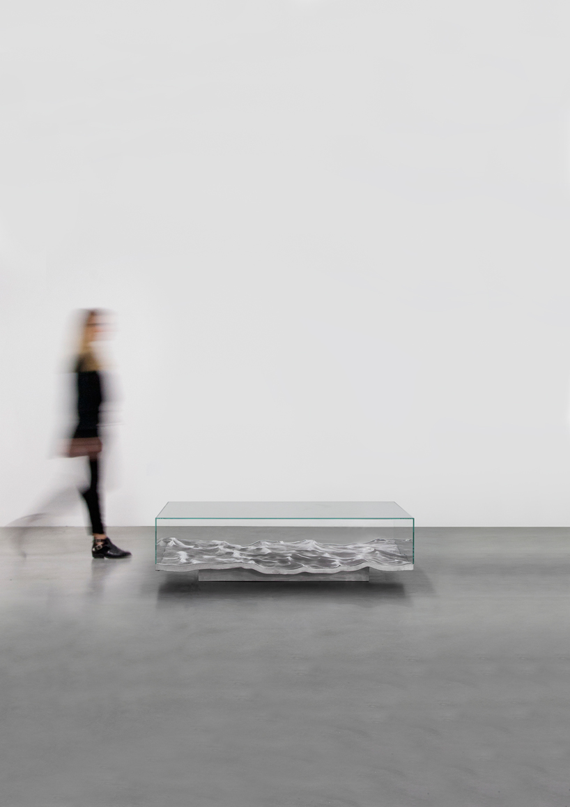 mathieu-lehanneur-liquid-aluminium-table-carpenters-gallery-paris-designboom-002.jpg