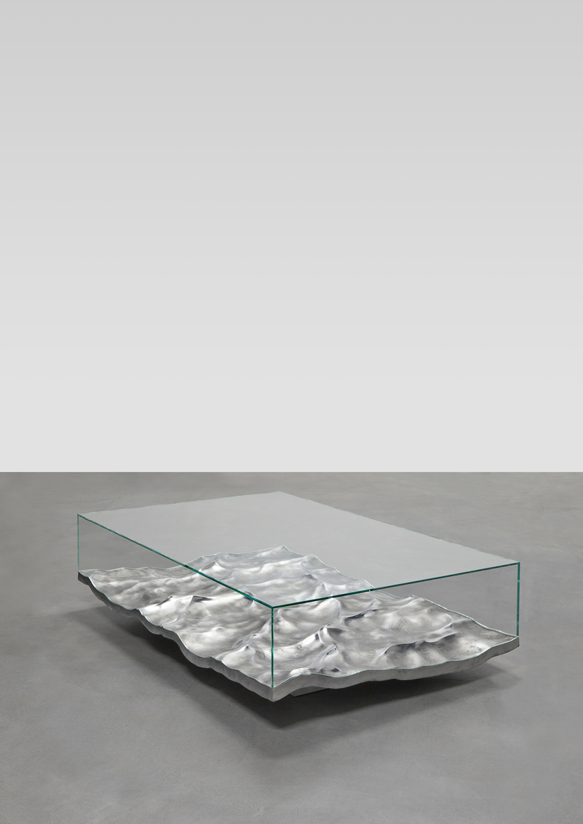 mathieu-lehanneur-liquid-aluminium-table-carpenters-gallery-paris-designboom-003.jpg