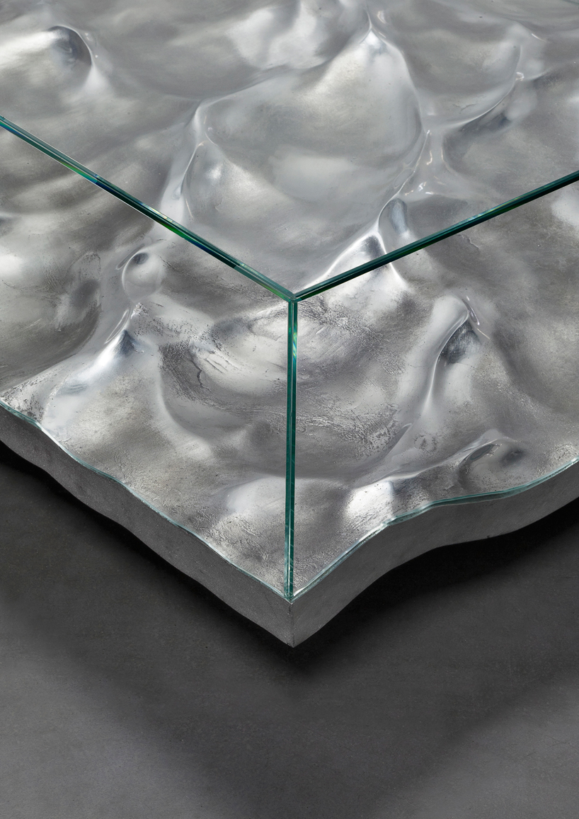 mathieu-lehanneur-liquid-aluminium-table-carpenters-gallery-paris-designboom-004.jpg