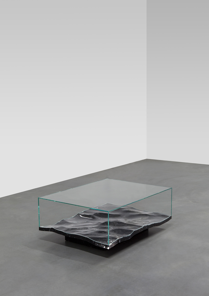 mathieu-lehanneur-liquid-aluminium-table-carpenters-gallery-paris-designboom-006.jpg