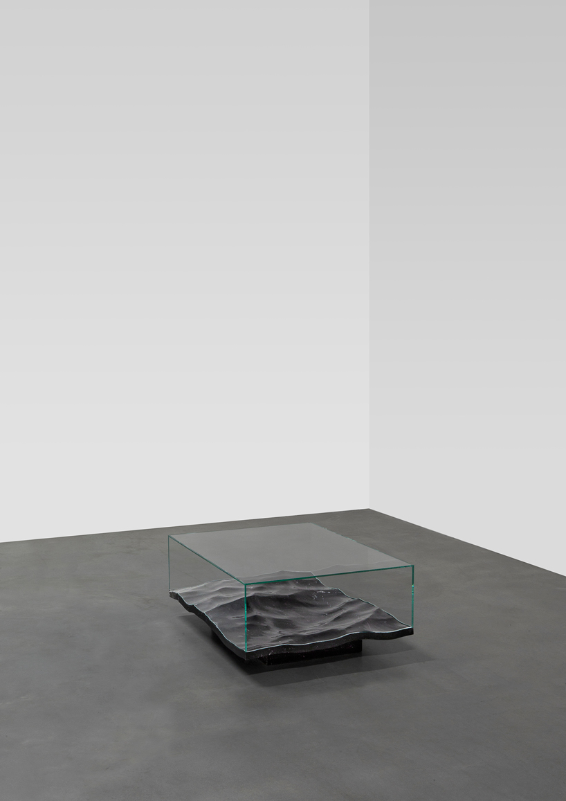 mathieu-lehanneur-liquid-aluminium-table-carpenters-gallery-paris-designboom-007.jpg