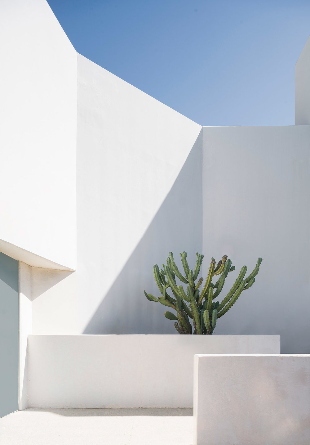 Geometric-Encounters-architecture-concrete-exterior-photography-cool-clean-modern-by-Thismintymoment-Mindsparkle-Mag-3.jpg