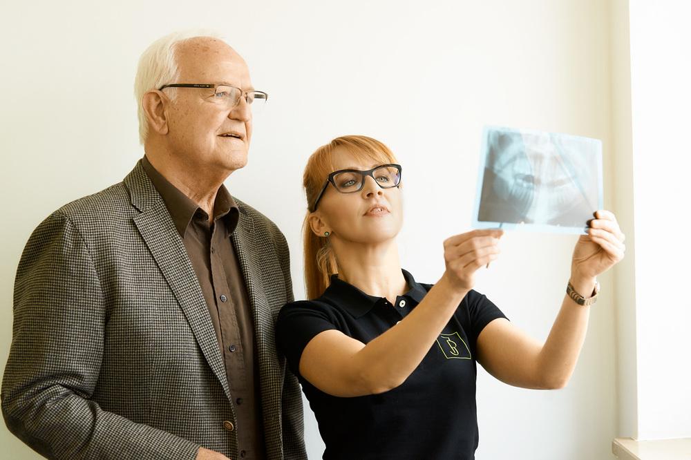 Implantologie Zahnärztin Irene Pracht
