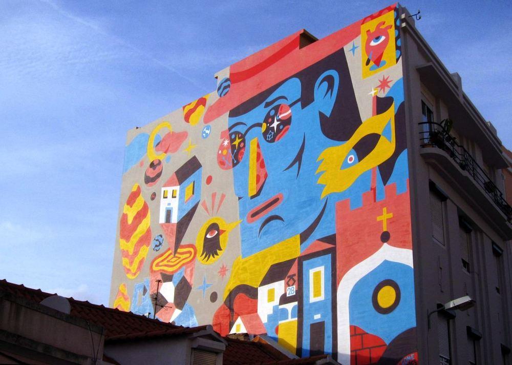 Graffiti qui représente Pessoa à Lisboa
