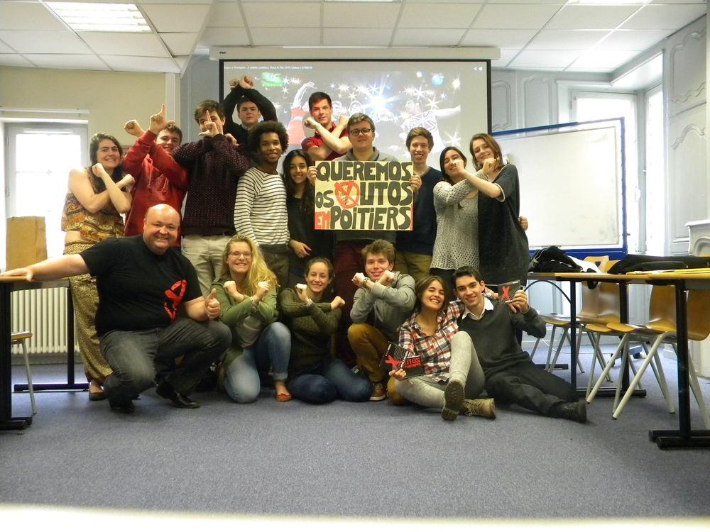 Arlindo avec ses élèves au campus de Poitiers de SciencesPo.