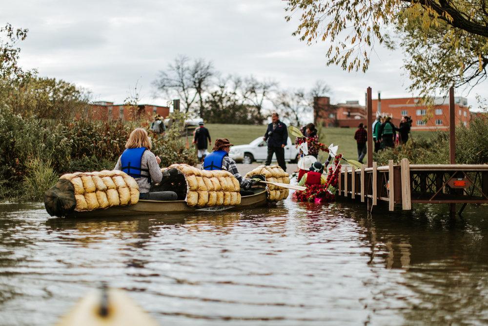 canoeparade-1253.jpg