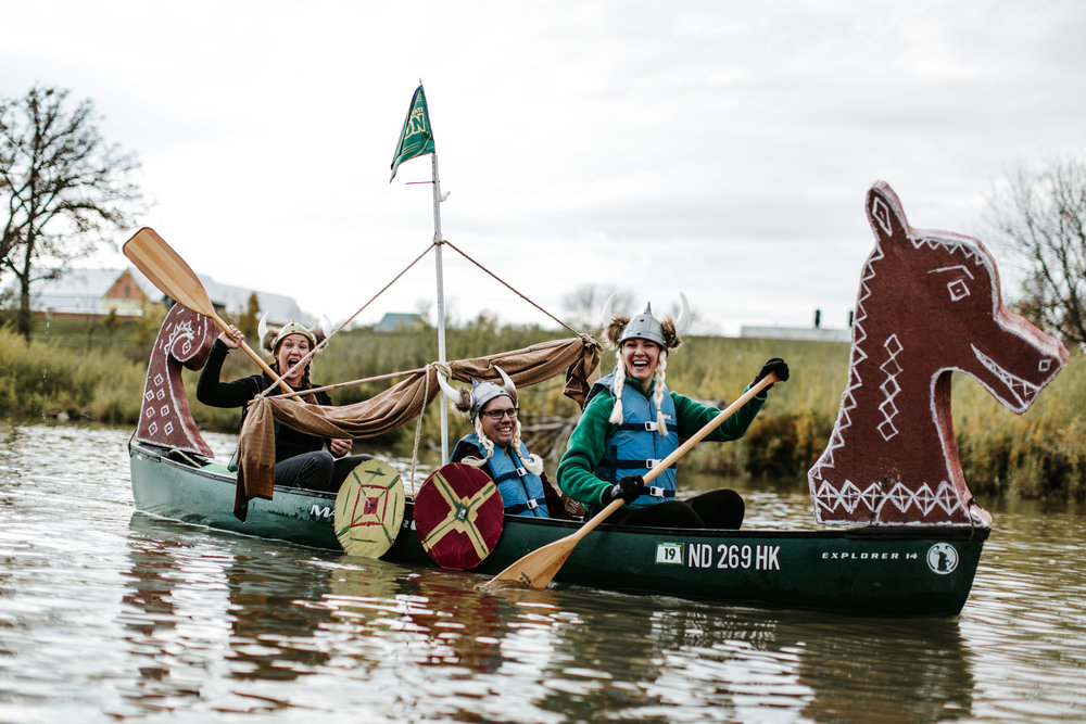canoeparade-1203.jpg