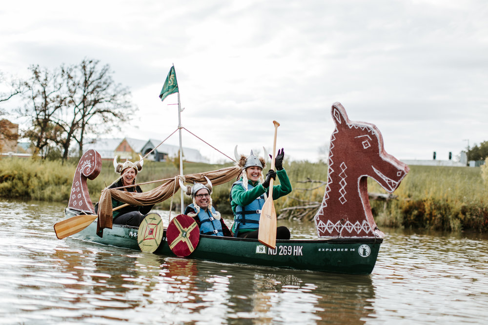 canoeparade-1202.jpg