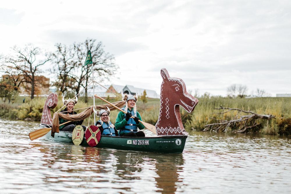 canoeparade-1201.jpg