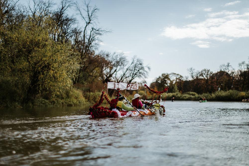 canoeparade-1132.jpg