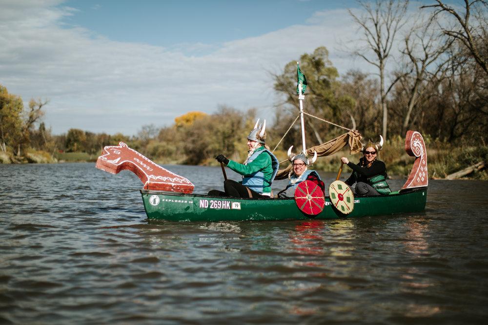 canoeparade-1124.jpg