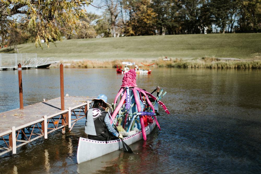 canoeparade-1056.jpg