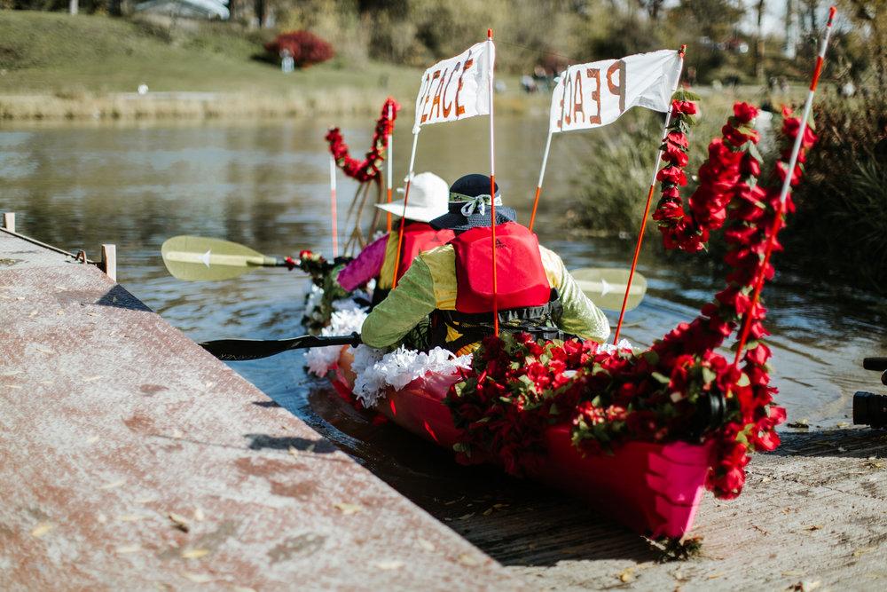 canoeparade-1043.jpg