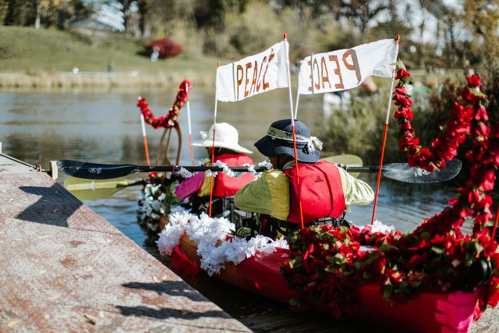 canoeparade-1040.jpg